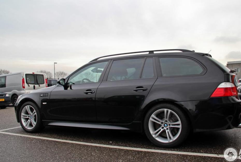 M5 Touring (E61) BMW reviews 2009