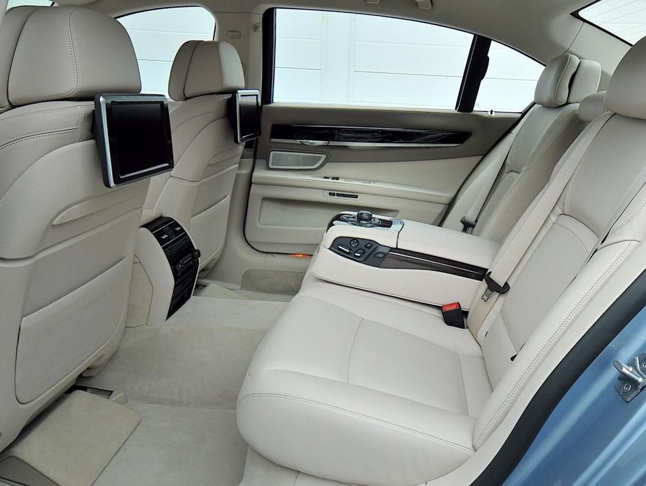7 Series (F01) BMW configuration 2009
