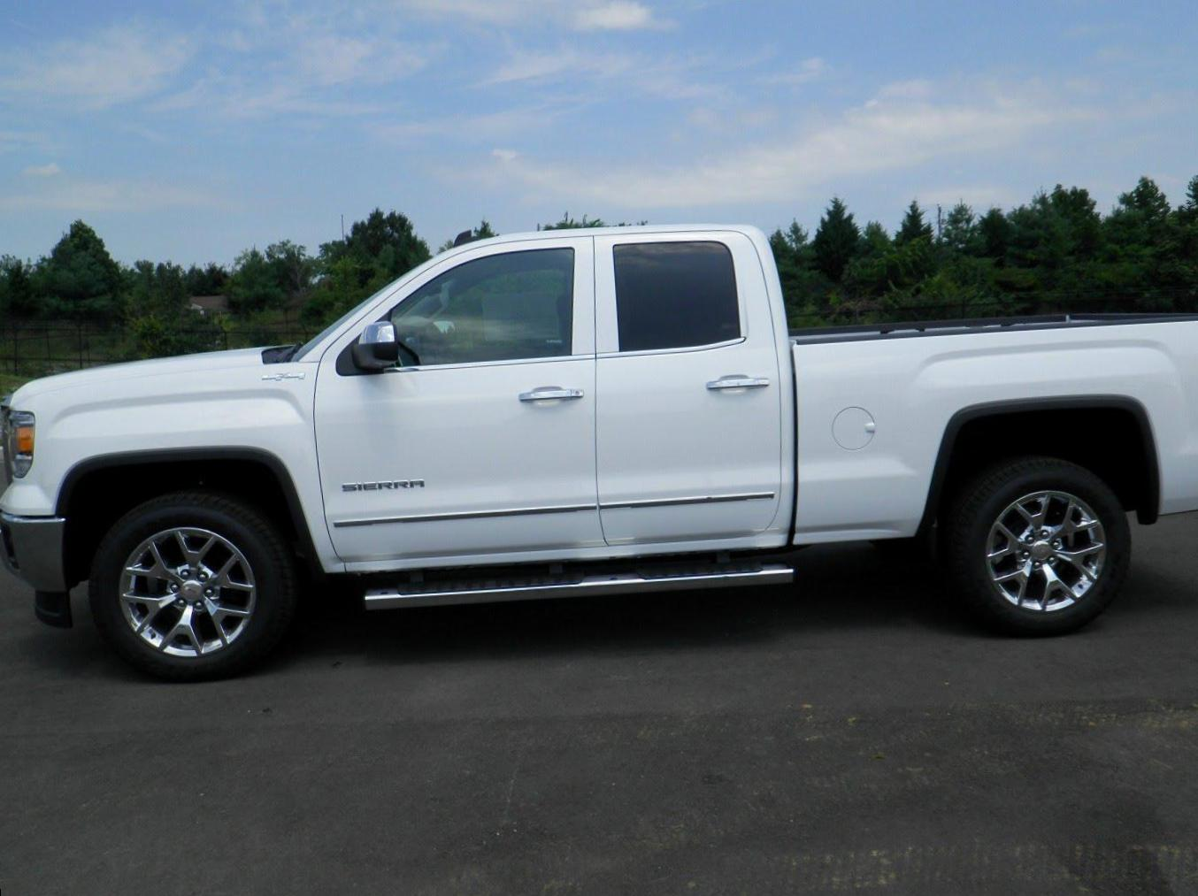 Sierra Double Cab GMC approved hatchback