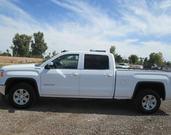 GMC Canyon Crew Cab auto sedan