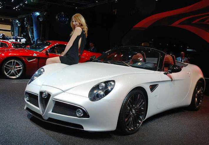Alfa Romeo 8C Spider Specifications 2003