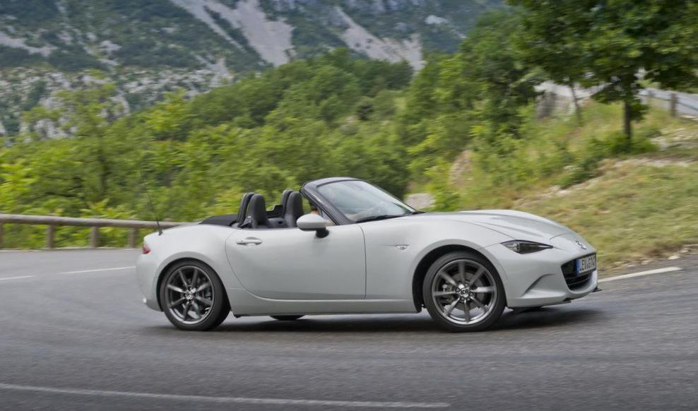 MX-5 Roadster Mazda Specifications 2009