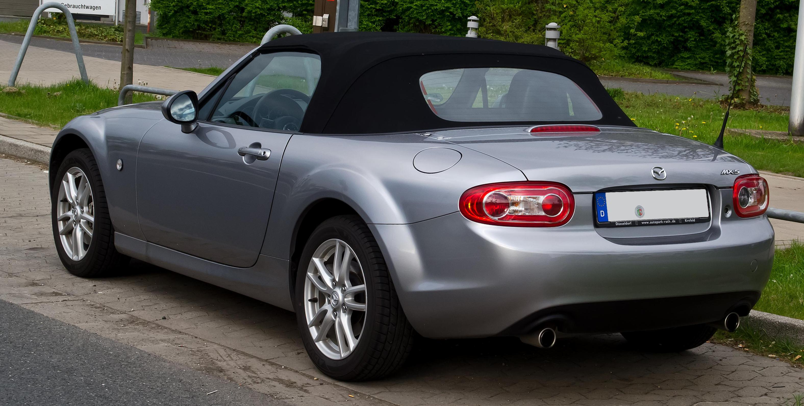 Mazda MX-5 Roadster review wagon