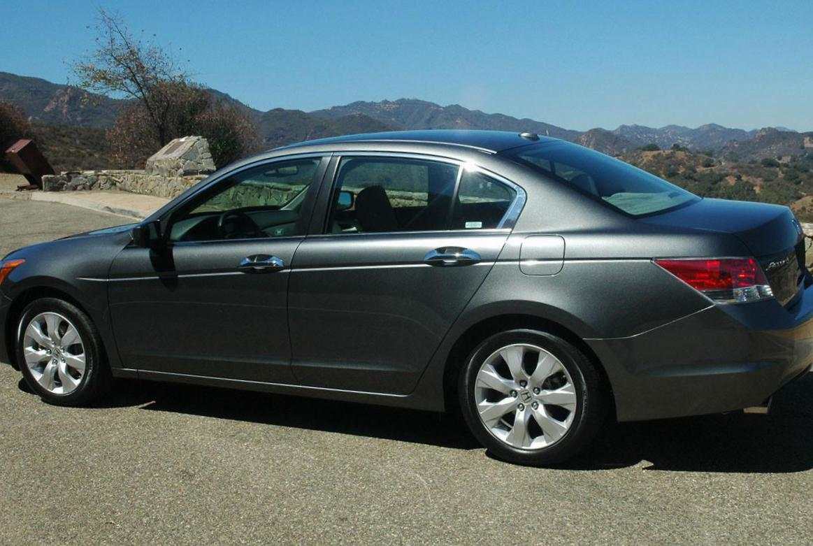 Honda accord photos and specs photo honda accord used for Used honda accords