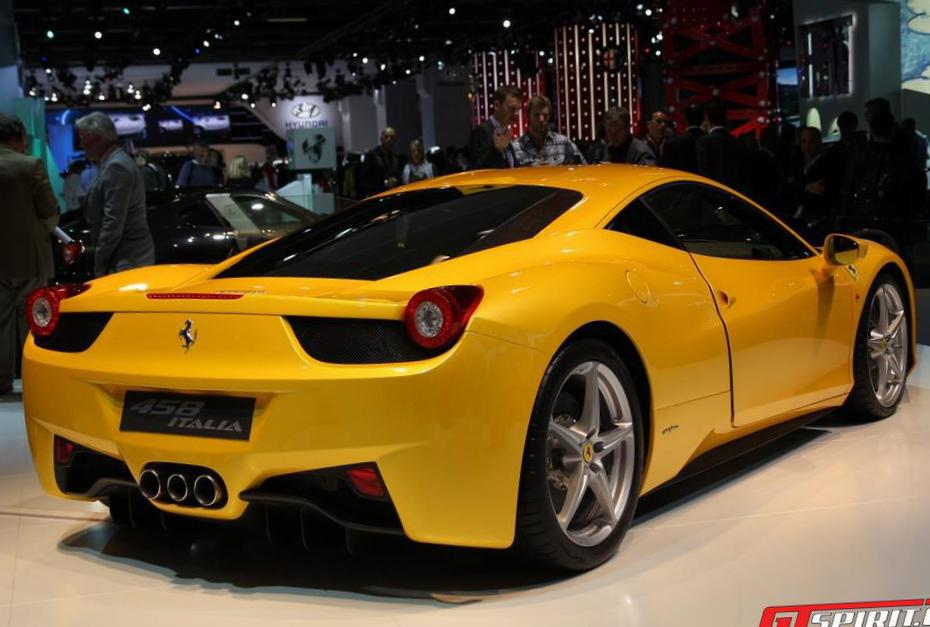 458 Italia Ferrari lease coupe