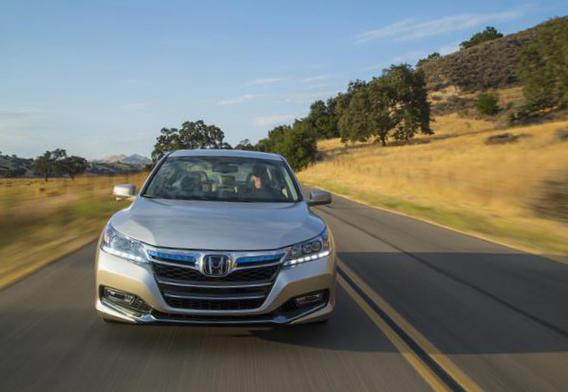 Accord Plug-In Hybrid Honda review 2011