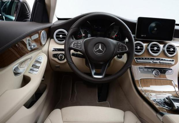Mercedes C-Class Estate (S205) specs sedan