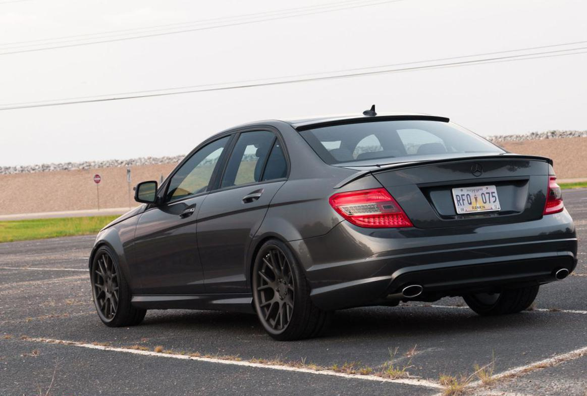 Mercedes C-Class (W204) spec sedan