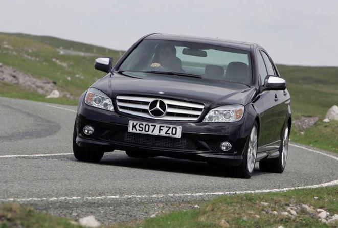 Mercedes C-Class (W204) reviews hatchback