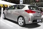 Toyota Auris Touring Sports Hybrid concept coupe