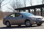 Altima Nissan how mach hatchback