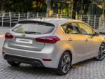 KIA Cerato Hatchback review wagon